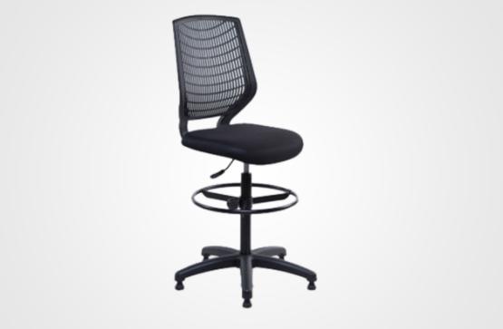 Cadeira Caixa DL  Assento Estofado e Encosto em Polipropileno